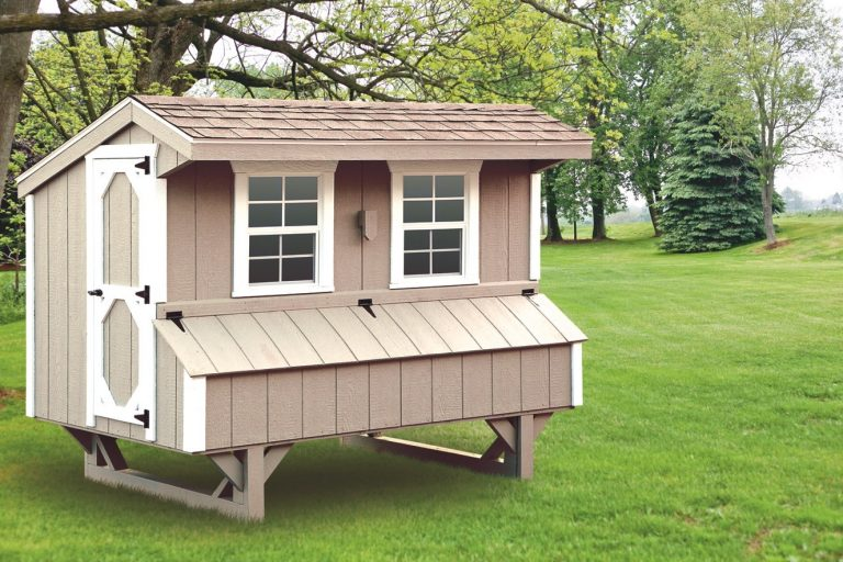 prefab chicken coops Clay Q48 Front View