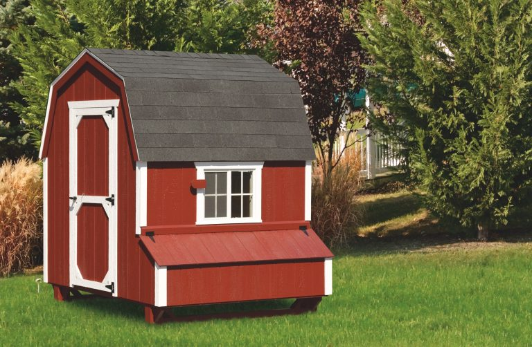 barn style wooden chicken coops